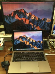 MacBook Pro 2016 late レビュー USBハブ